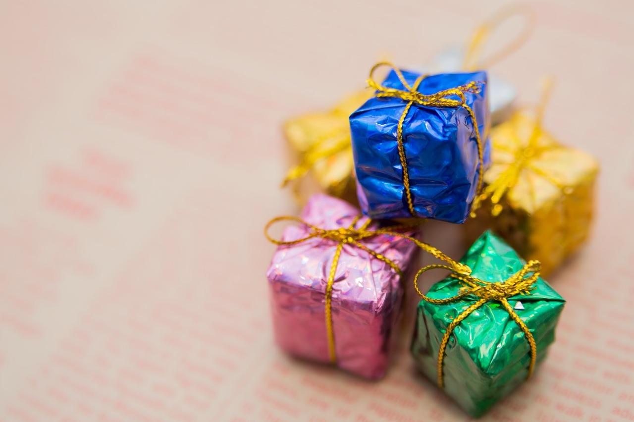 プレゼント-BOX
